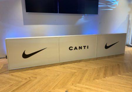 Мобильный бар Nike+Canti