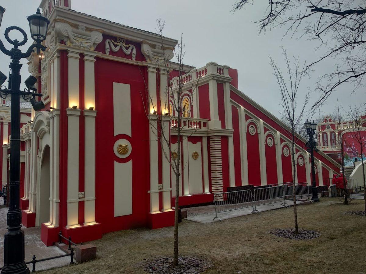 Реставрация и монтаж декорационного оформления катка в Новопушкинском сквере